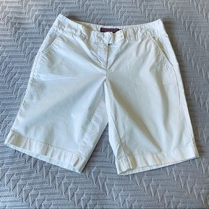 Vineyard Vines white Bermuda shorts, size 4.